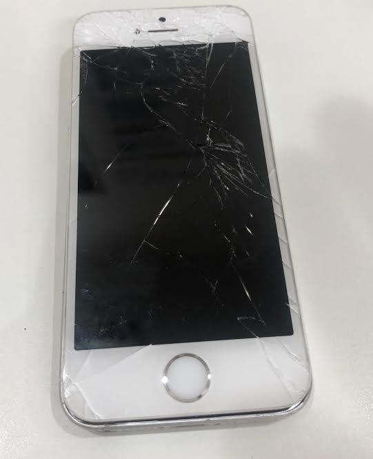 iPhoneSE 画面割れ 修理前