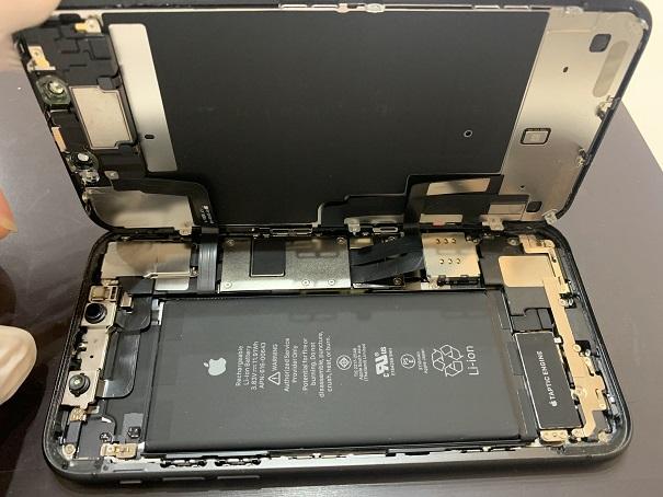 iPhone11 分解中