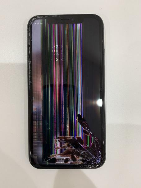 iPhone11 修理前 ノイズ タッチ不良
