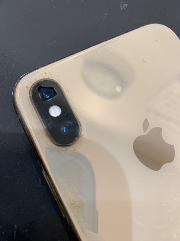 iPhoneXS カメラレンズ割れ 修理前