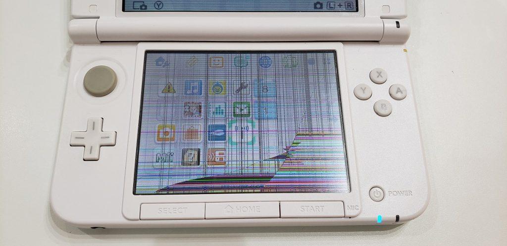 3DS LL 液晶不良修理前