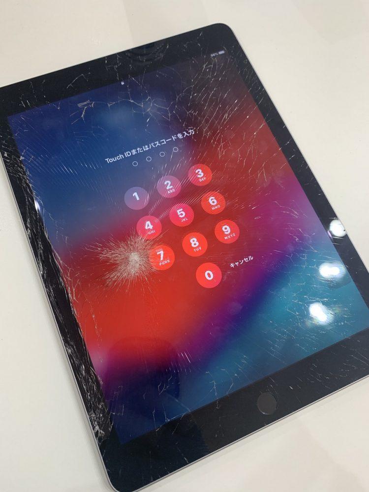 iPad6 ガラス割れ 修理前