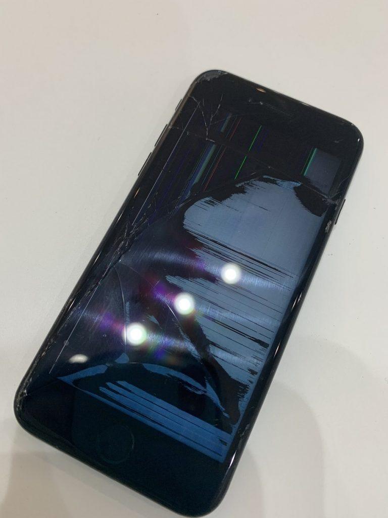 iPhone7 液晶 液漏れ ノイズ 修理前