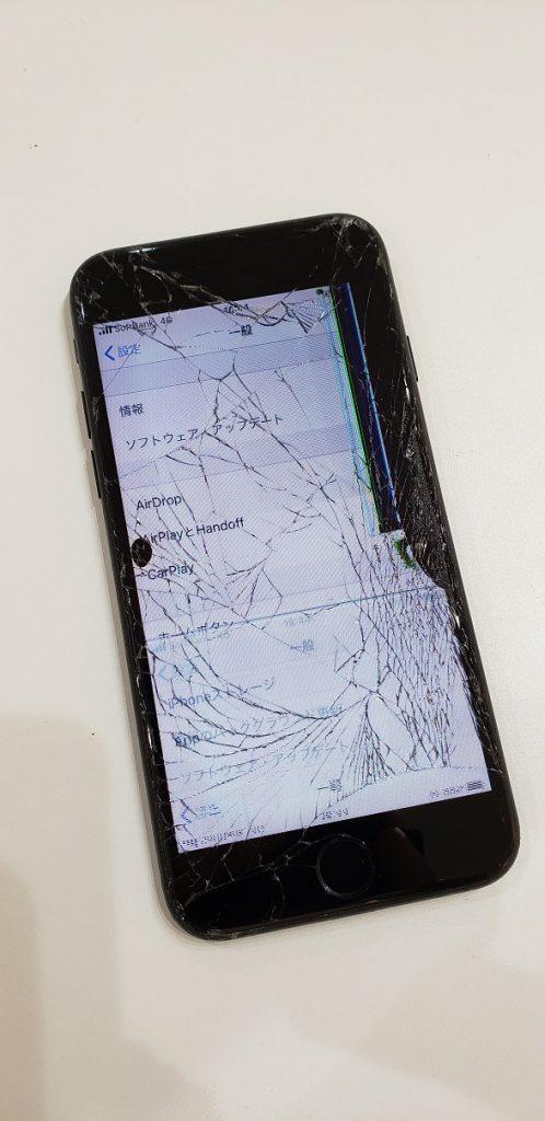 iPhone8 液晶表示不良 修理前