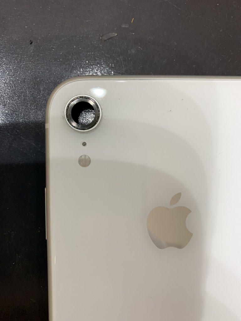 iPhoneXR 分解中 レンズ取り外し