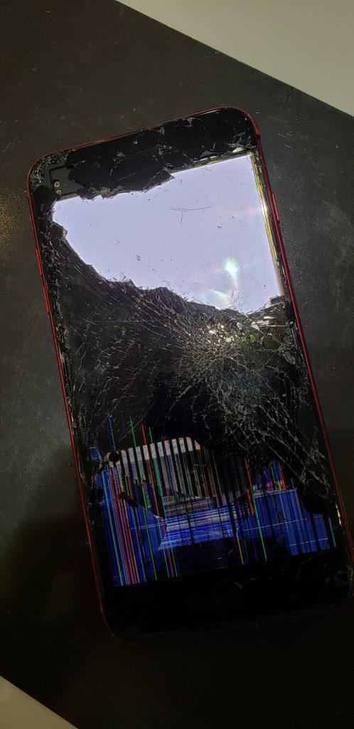 iPhone8Plus 液晶画面修理前
