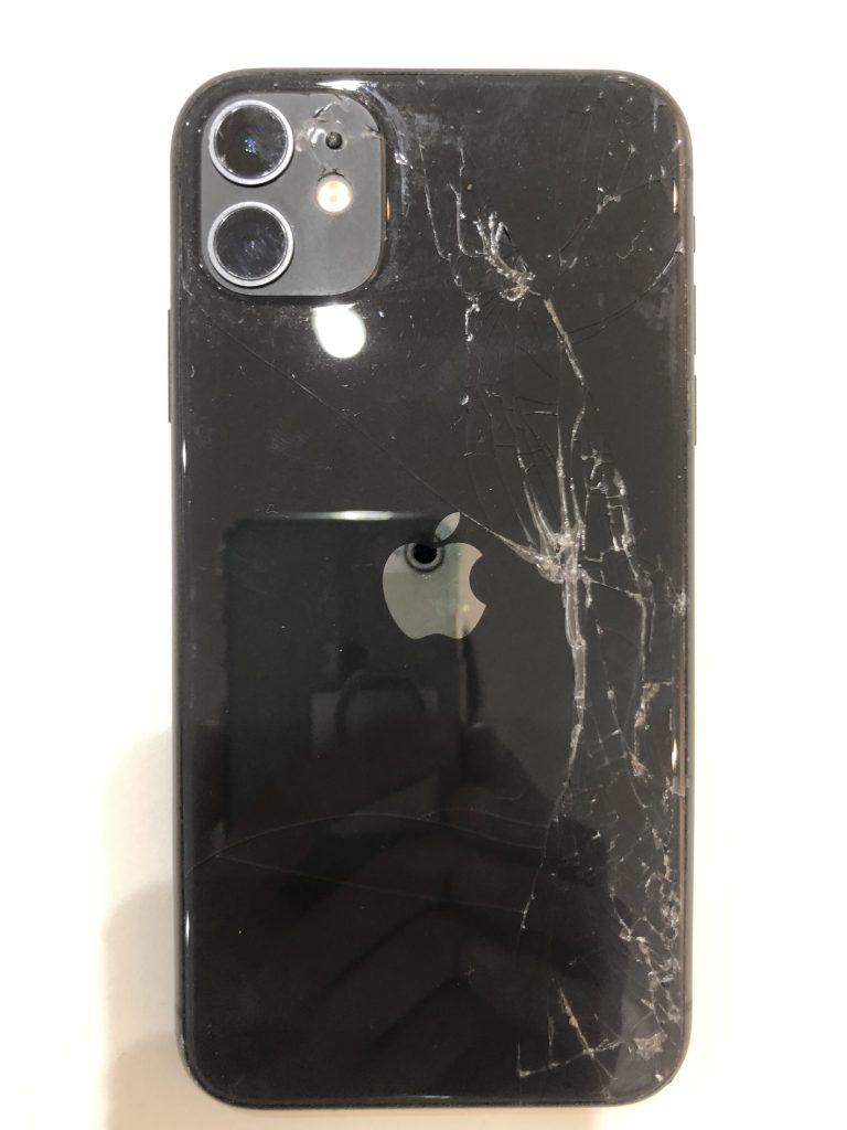 iPhone11修理麻背面