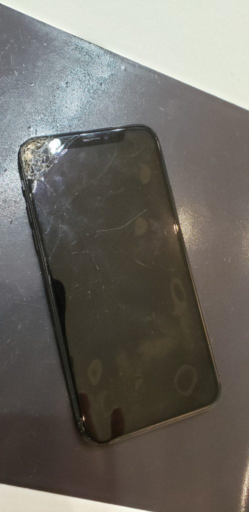 iPhoneX 画面修理前