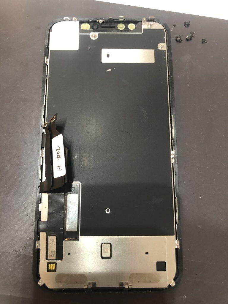 iPhoneXR 画面交換修理パネル裏