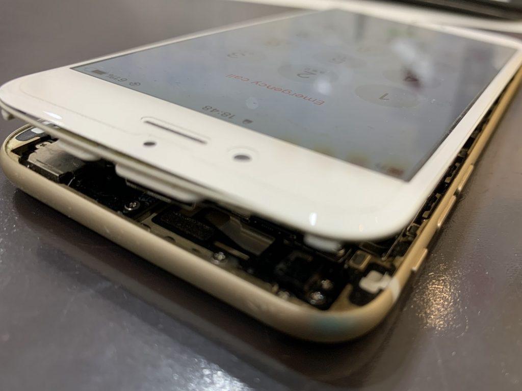 iPhone6 画面外れかけ 浮き 修理前