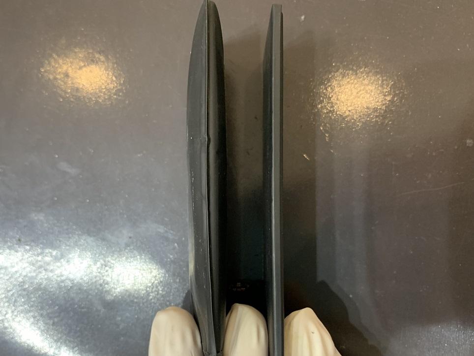 iPhone6 バッテリー 膨張 取り外し後 新品と比較