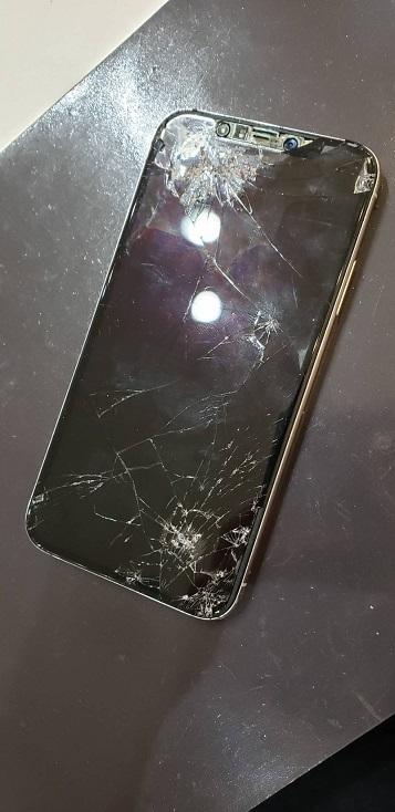 iPhoneX 画面交換前