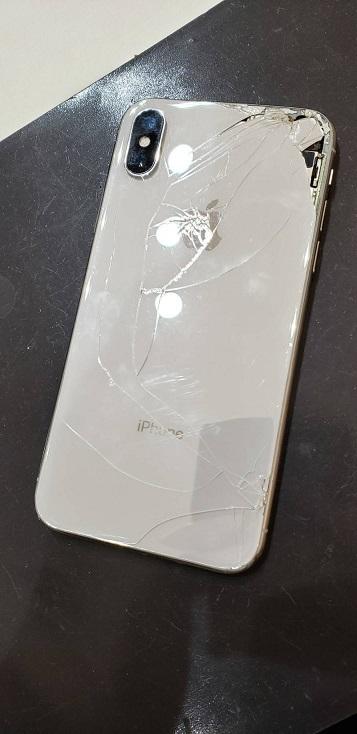 iPhoneX 背面ガラス割れ