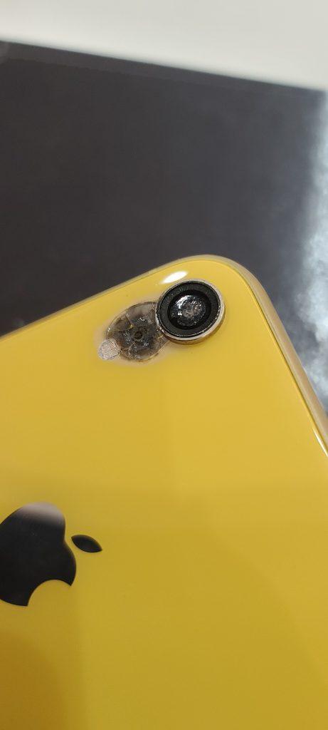 iPhoneXR カメラレンズ取れてる カメラ溶けてる