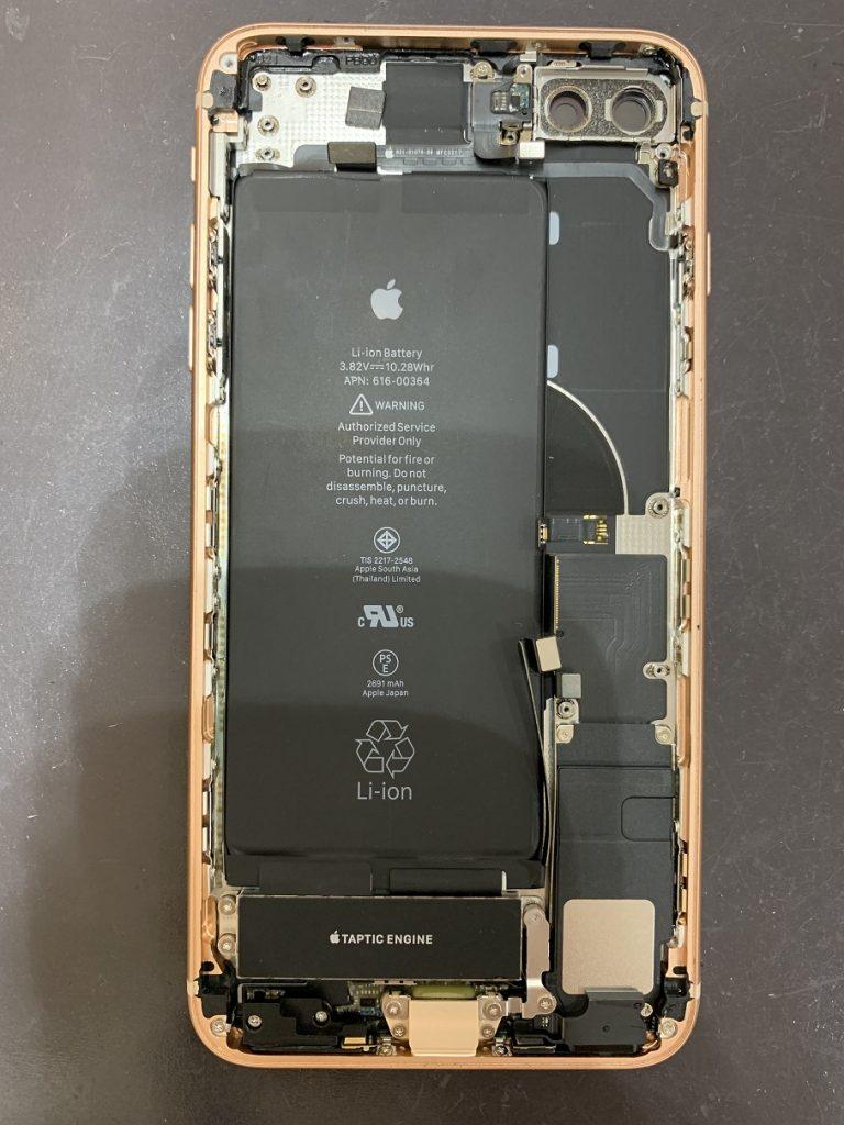 iPhone8Plus 分解 ロジックボード取り外し