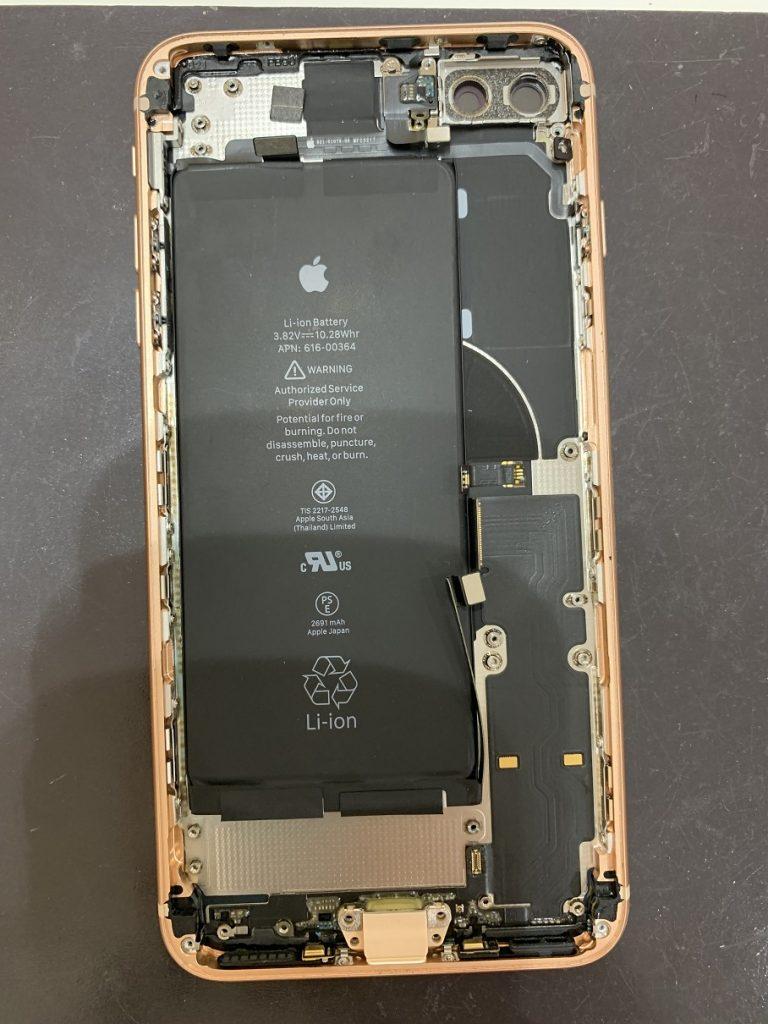 iPhone8Plus  分解 スピーカー・バイブ取り外し