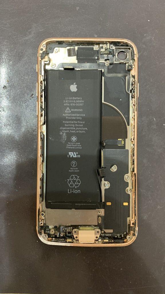 iPhone8 分解中