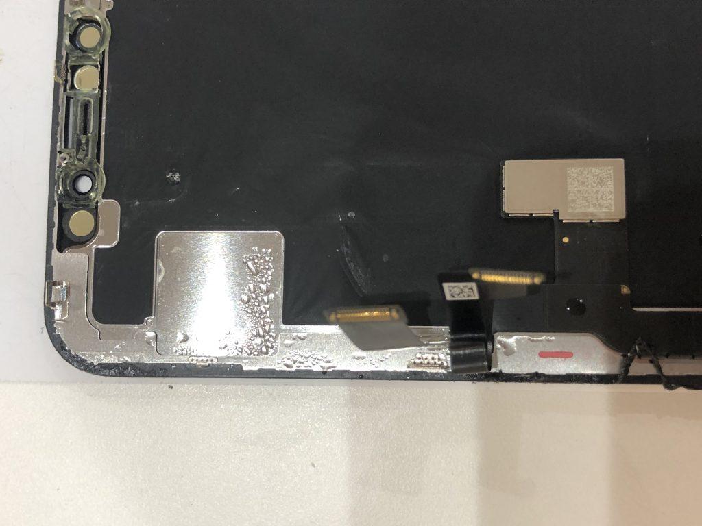 iPhoneX 液晶交換修理 パネル裏水分