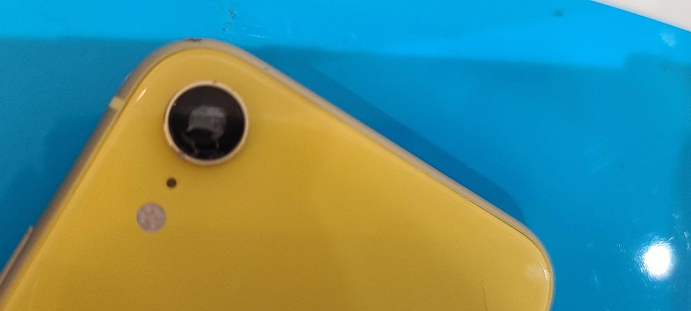 iPhoneXR レンズ割れ