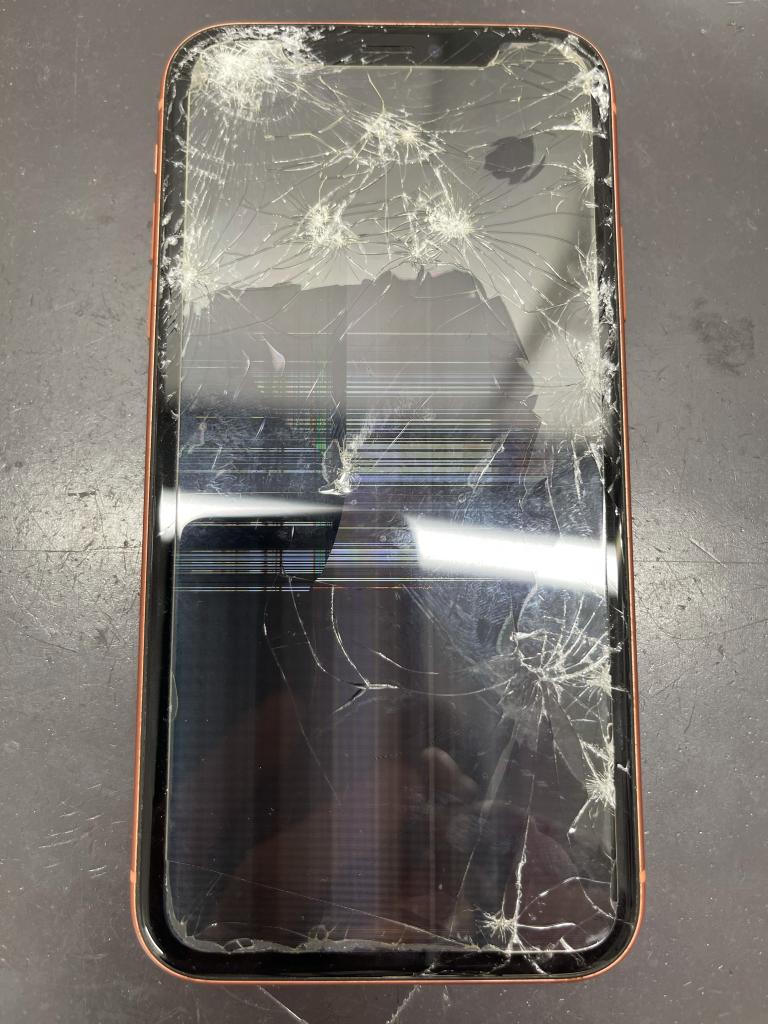iPhoneXR 画面破損