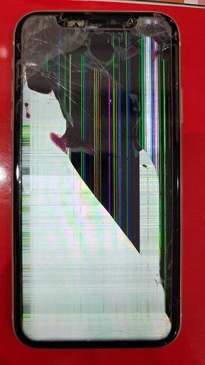 iPhone11 縦線