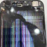 iPhone6の内カメラが剥き出しに!!!これって実はかなり危険です(; ・`д・´)そんな重症でも地域最安値の専門店なら元通り♪