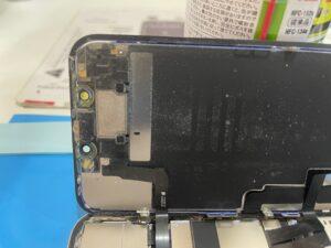 iPhone11 画面修理内部