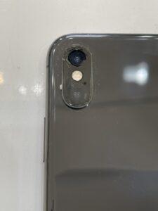 iPhoneXSカメラレンズ割れ修理前 背面