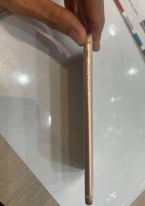 iPhone8plusバッテリー交換後側面